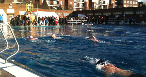 The benefits of outdoor winter swimming for Masters swimmers