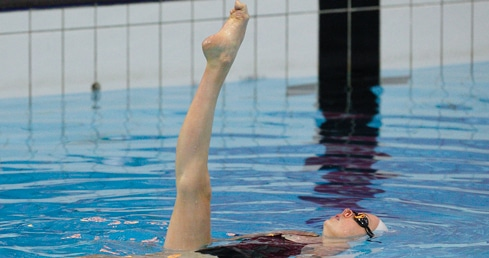 Girls swimming a figures competition. Used for synchro assessor trianing page