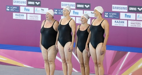 British Masters synchro swimmers take on the world