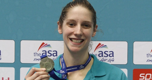 Emma Gage breaks record in 100m Fly at Ponds Forge