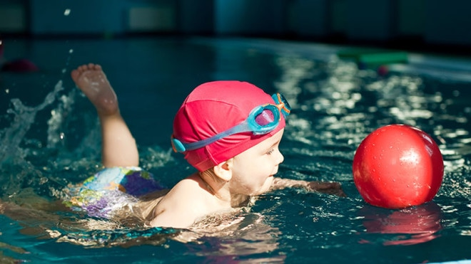 The benefits of baby swimming