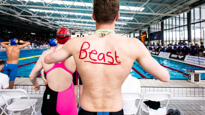 6 steps to building self-confidence in young swimmers