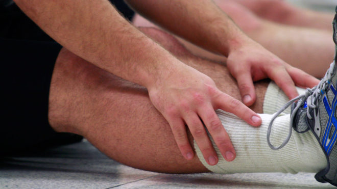 3 leg stretches for warming up before exercise