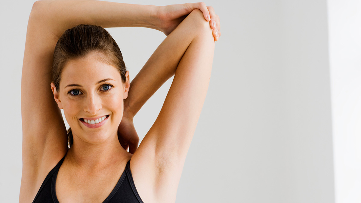 2 arm stretches for warming up before exercise