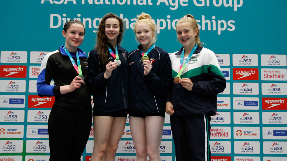 Lexie Howard wins her second gold at the 2016 National Age Group Diving Championships