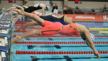 Isabelle Goodwin dominates 12/13yrs 400m IM