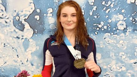 Freya Anderson lands World Junior gold over 100m Free