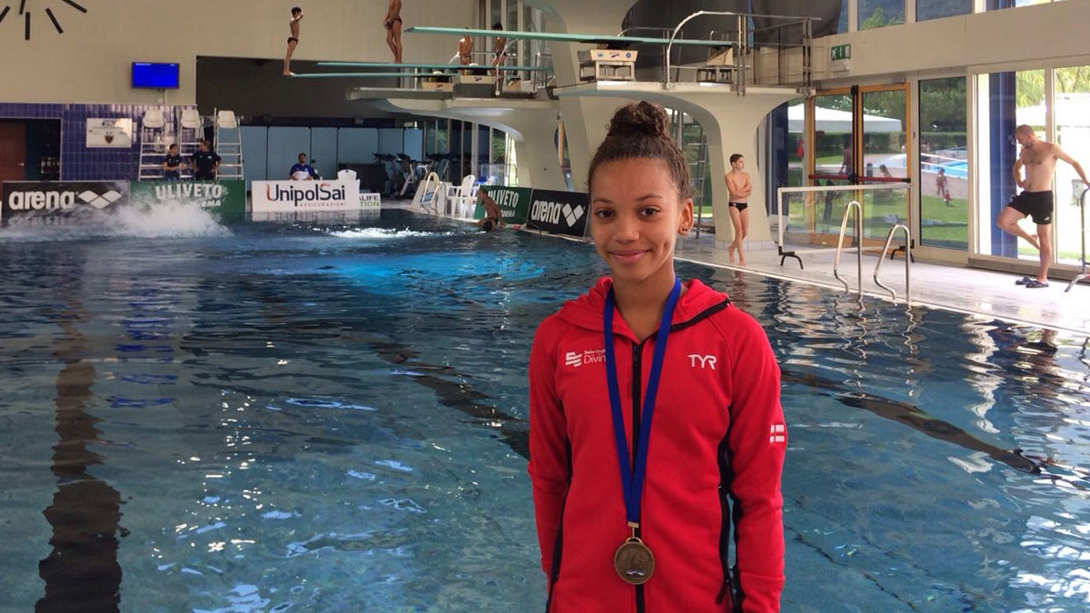 Richelle Houlden with her bronze medal at the 2017 Mediterranean Cup diving in Italy