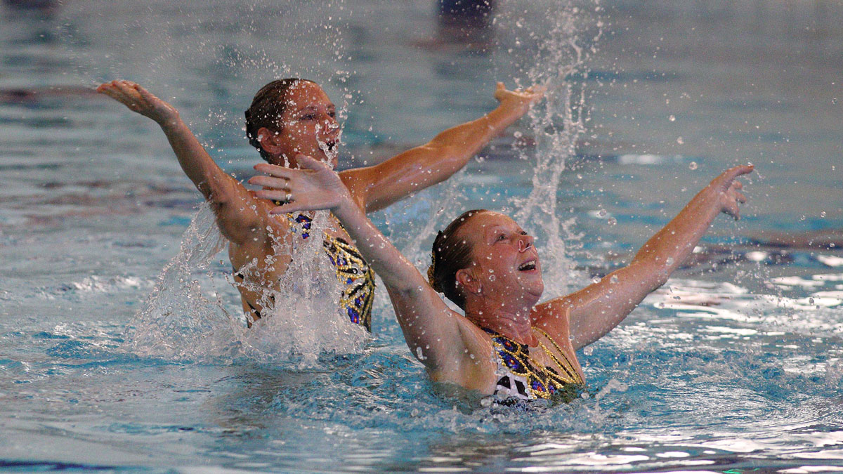 Andrea Holland and Carolyn Macdonald performing their free duet at the 2017 Swim England Synchro National Masters Championships 2017