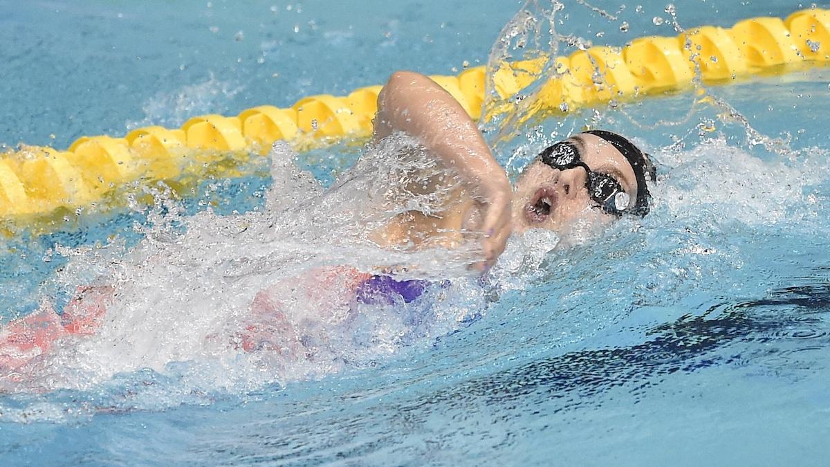 Ellie Faulkner swims new PB for 400m Freestyle gold