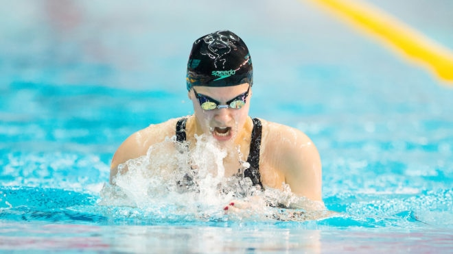 Aimee Willmott sets pace for 200m IM gold