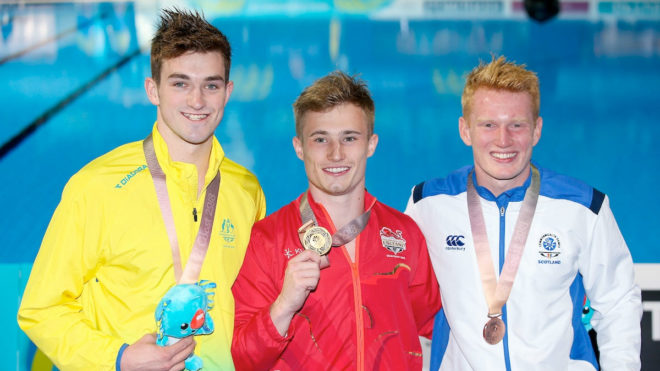Laugher retains title on first day of Commonwealth Games