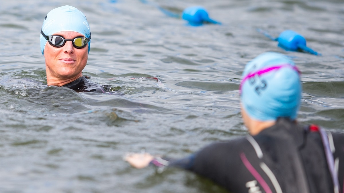 Open water swimming efficiency workout session