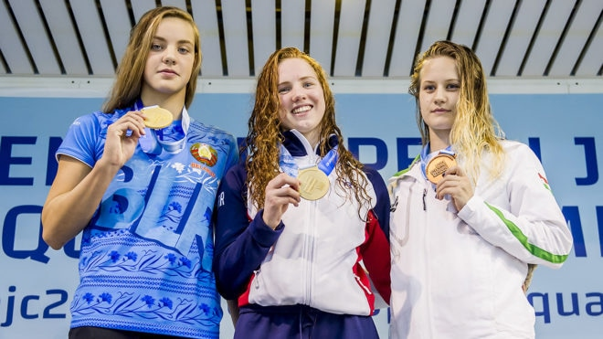 Emily Large and Freya Anderson secure gold medals in thrilling races
