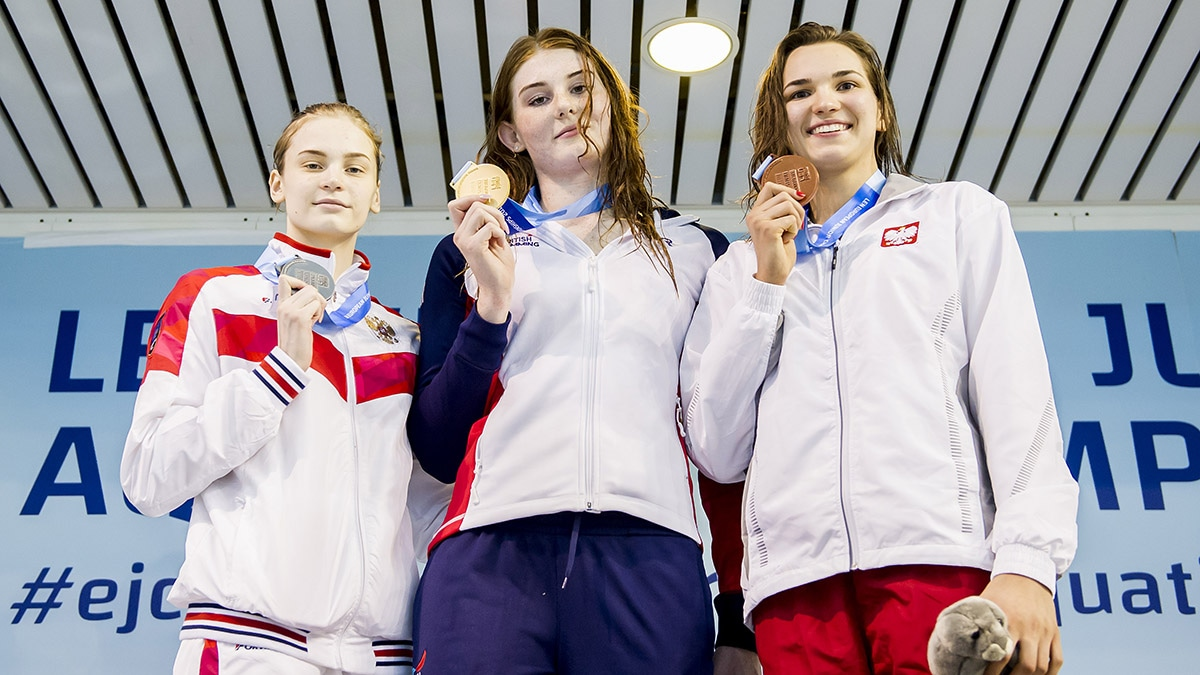 Freya Anderson won gold in the 50m Freestyle at the European Junior Swimming Championships 2018