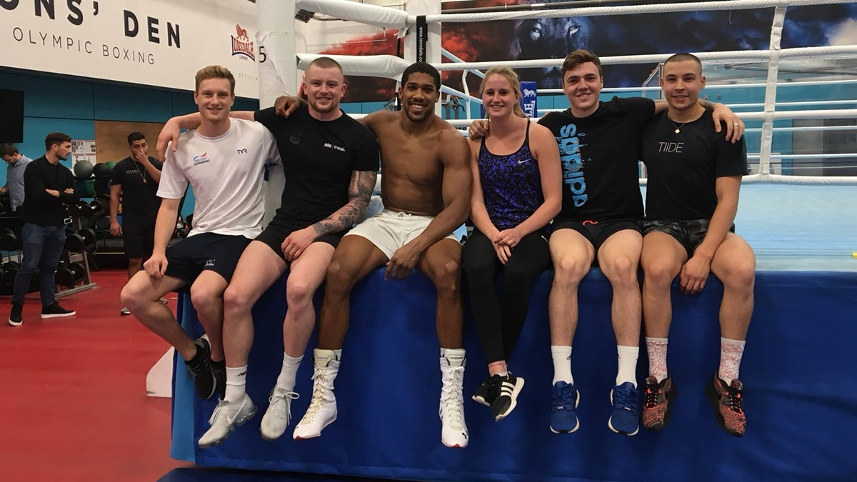 Heavyweights of pool train with boxing champion Anthony Joshua
