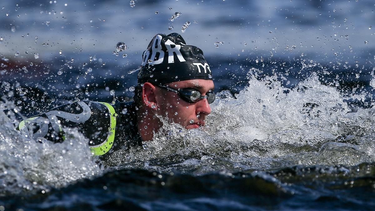Burnell wins first gold of Marathon World Swim Series 2018