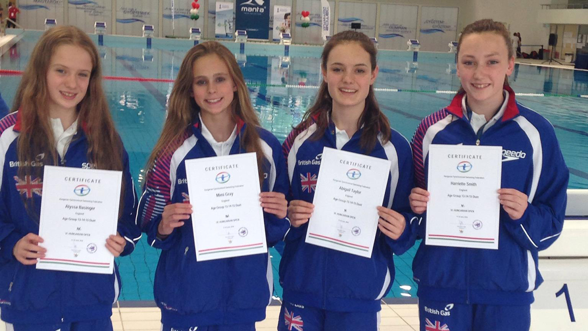 Alyssa Basinger, Mimi Gray, Abi Taylor and Harriette Smith. England synchro age group duets 2016.