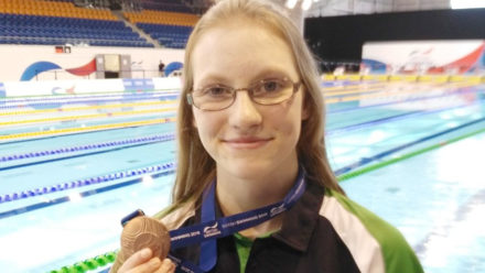 Becky Redfern sets world record at British Summer Champs