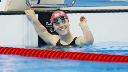 Ellie Simmonds wins 200m IM gold at Rio 2016 Paralympics