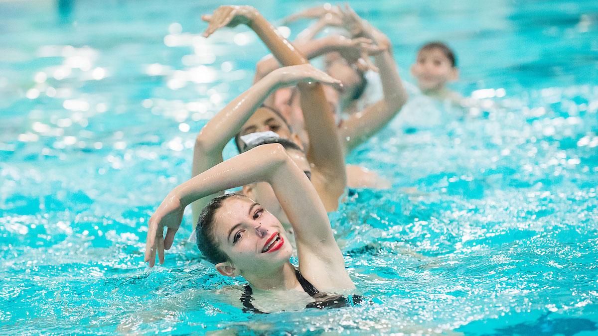 synchronized swimming figure meet