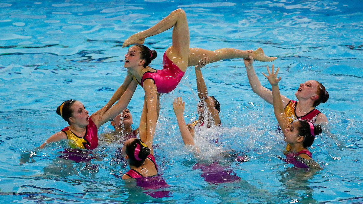 City of Bristol performing their 13-15 Yrs Team routine at the 2015 ASA National Age Group Synchro Champs