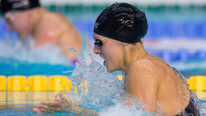 Imogen Clark swimming breaststroke at the 2017 British Swimming Championships