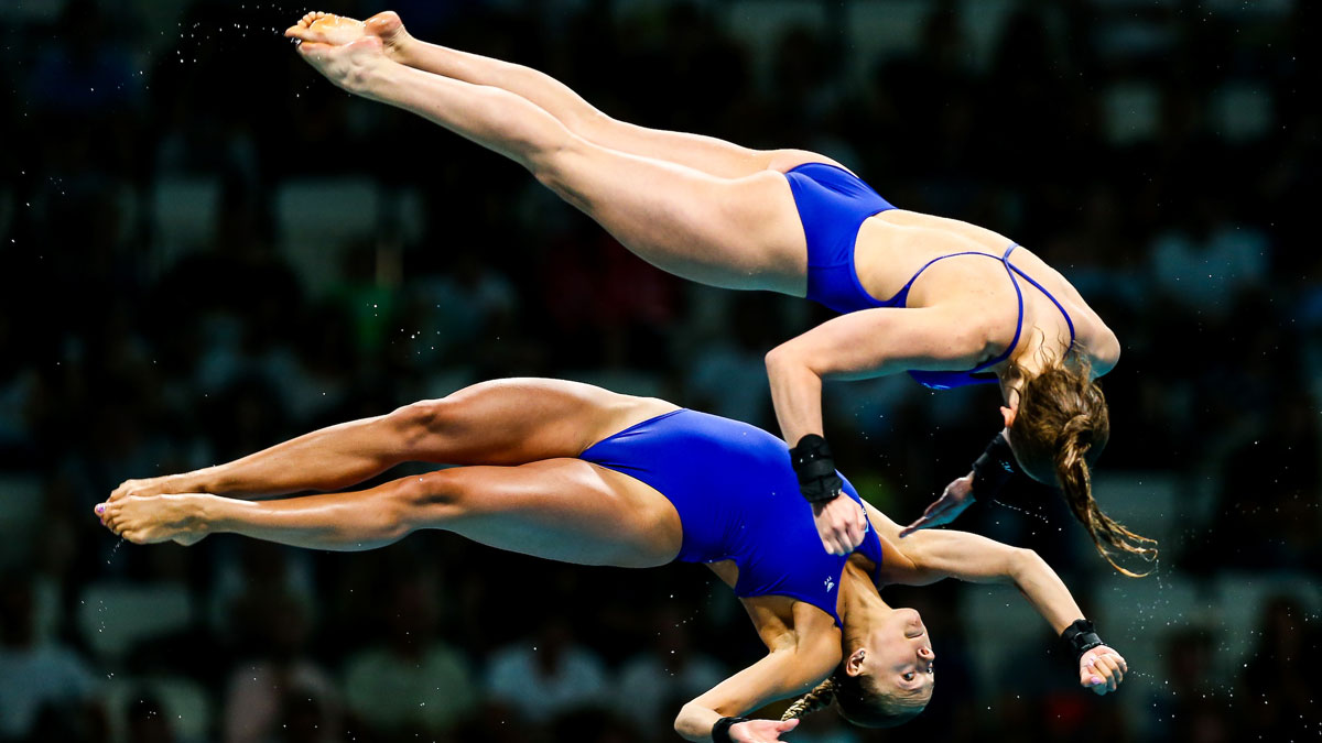 Lois Toulson and Tonia Couch performing a twist dive in the World Championships 10m Synchro
