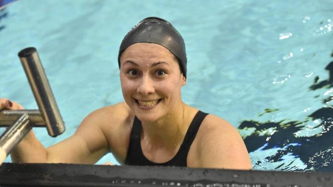 Aimee Willmott leads home English trio in 400m IM