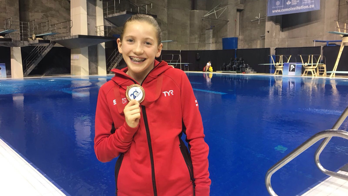 Evie Summers with her bronze medal at the CAMO Invitational 2017 in Montreal.