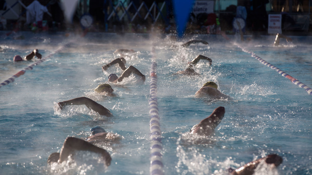 Masters swimmers in lanes at Charlton Lido, December 2017
