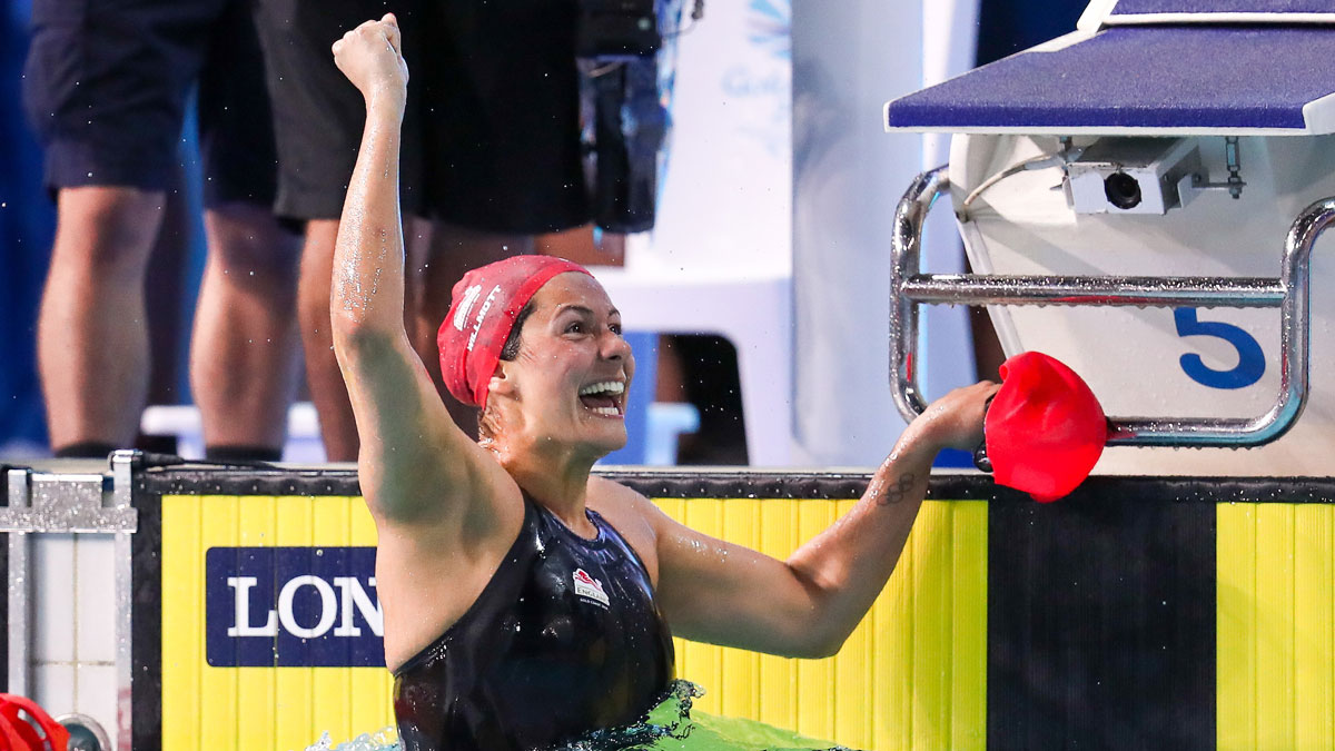 Aimee Willmott celebrates winning gold at the Gold Coast 2018 Commonwealth Games