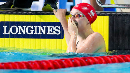 Sarah Vasey storms to sprint breaststroke gold