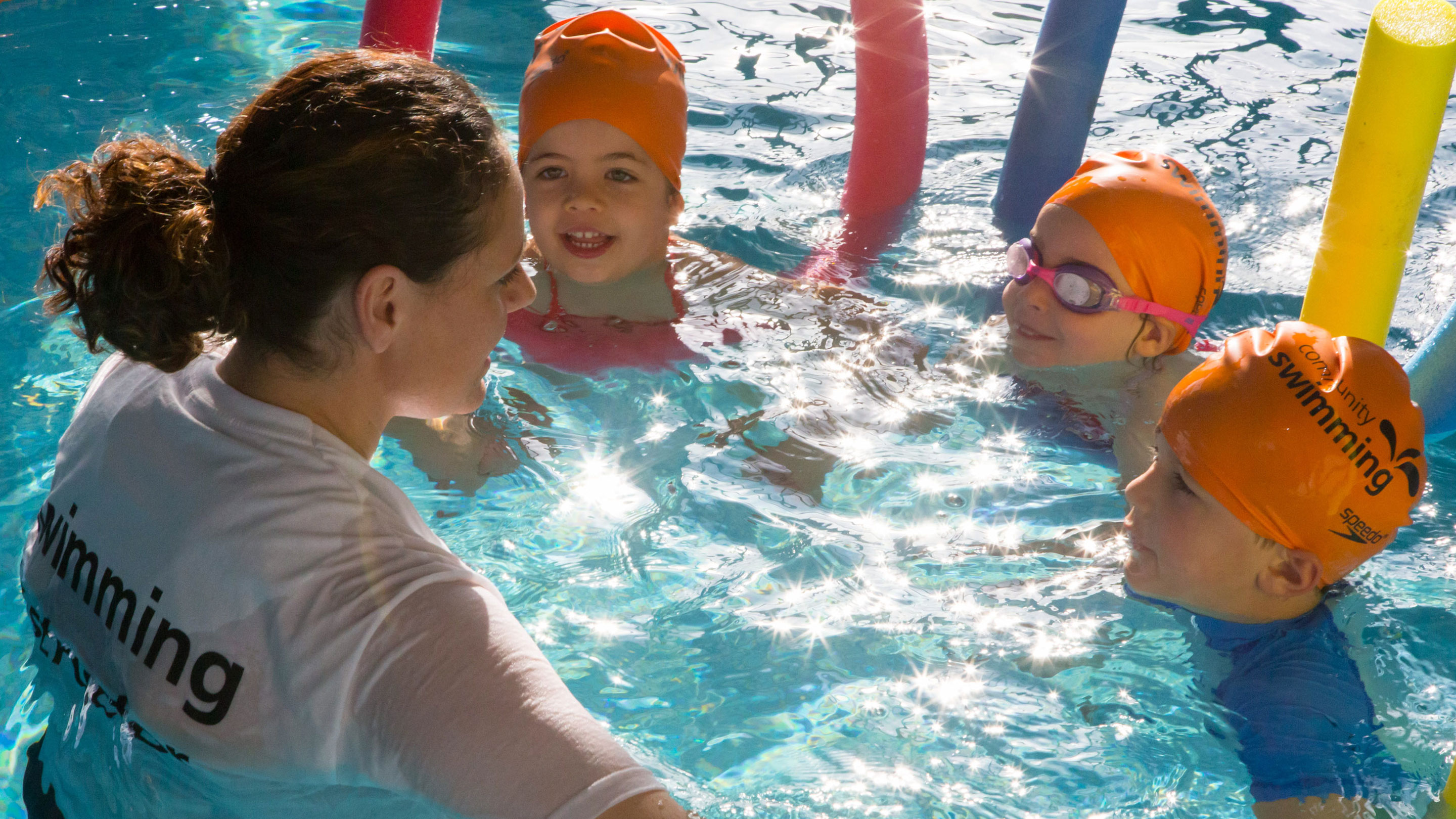 5 reasons why teaching swimming is the perfect student job