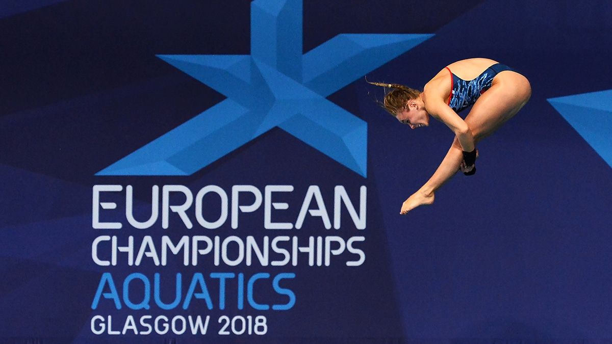 Robyn Birch competes in the mixed team event at the European Championships 2018