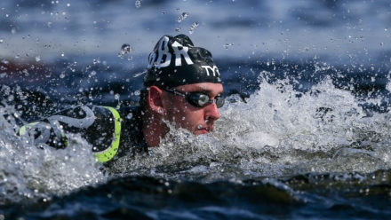 Burnell wins first gold of Marathon World Swim Series 2018