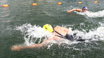 How to deal with currents while swimming outdoors