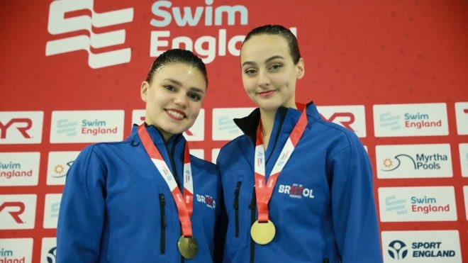 Hampson and Lloyd successfully defend 15-18 years duet crown