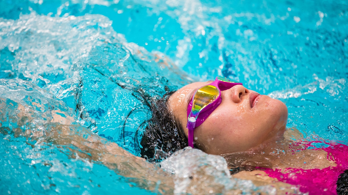Challenge yourself with this swimming endurance 3km training plan