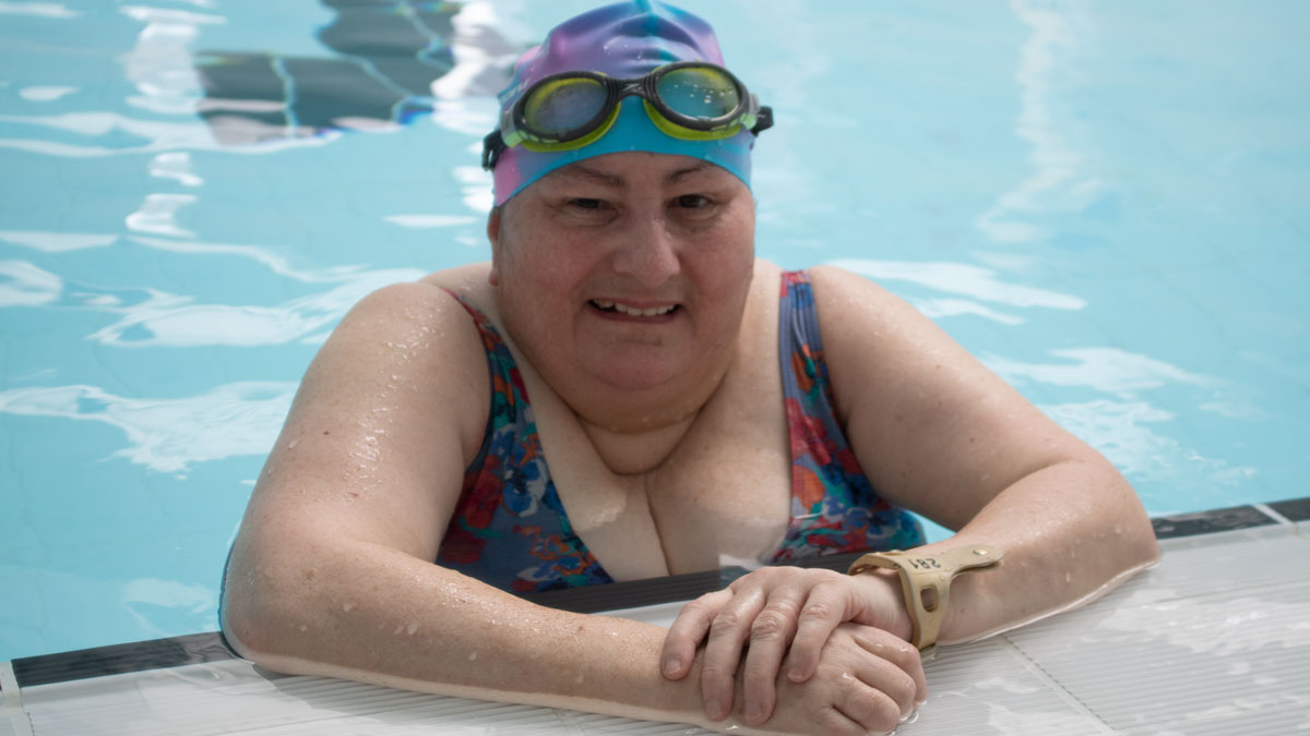 Out of a wheelchair and into the pool ... Lindsay\'s #LoveSwimming story