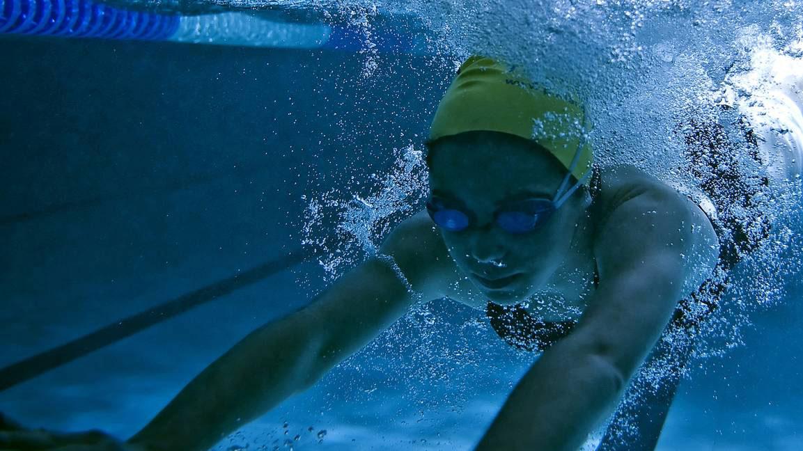 Swimming and glandular fever