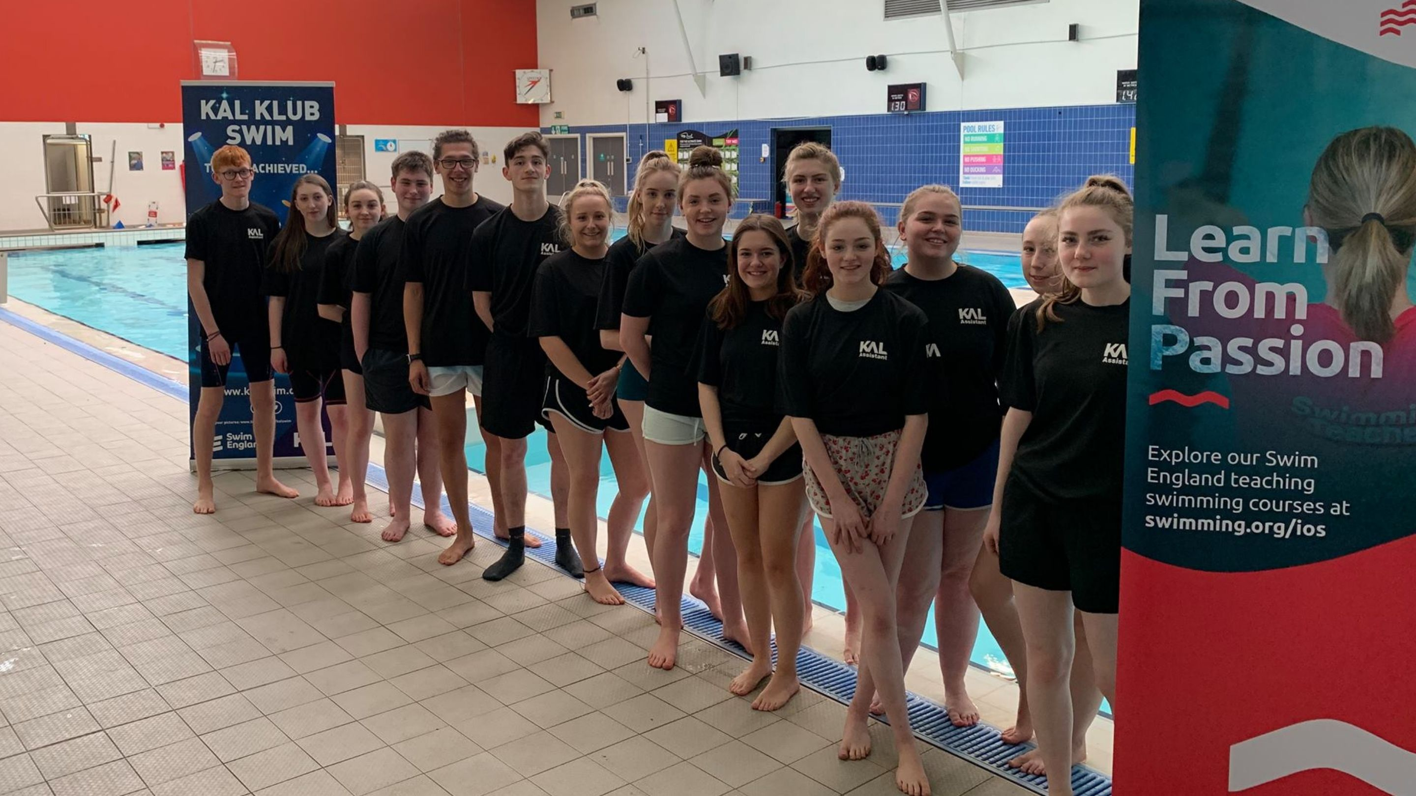 Kirklees Active Leisure renews partnership with Institute of Swimming