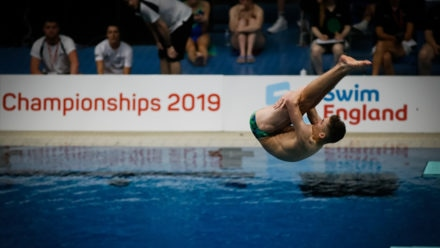 Nathaniel Greig retains 1m title with hugely impressive final dive