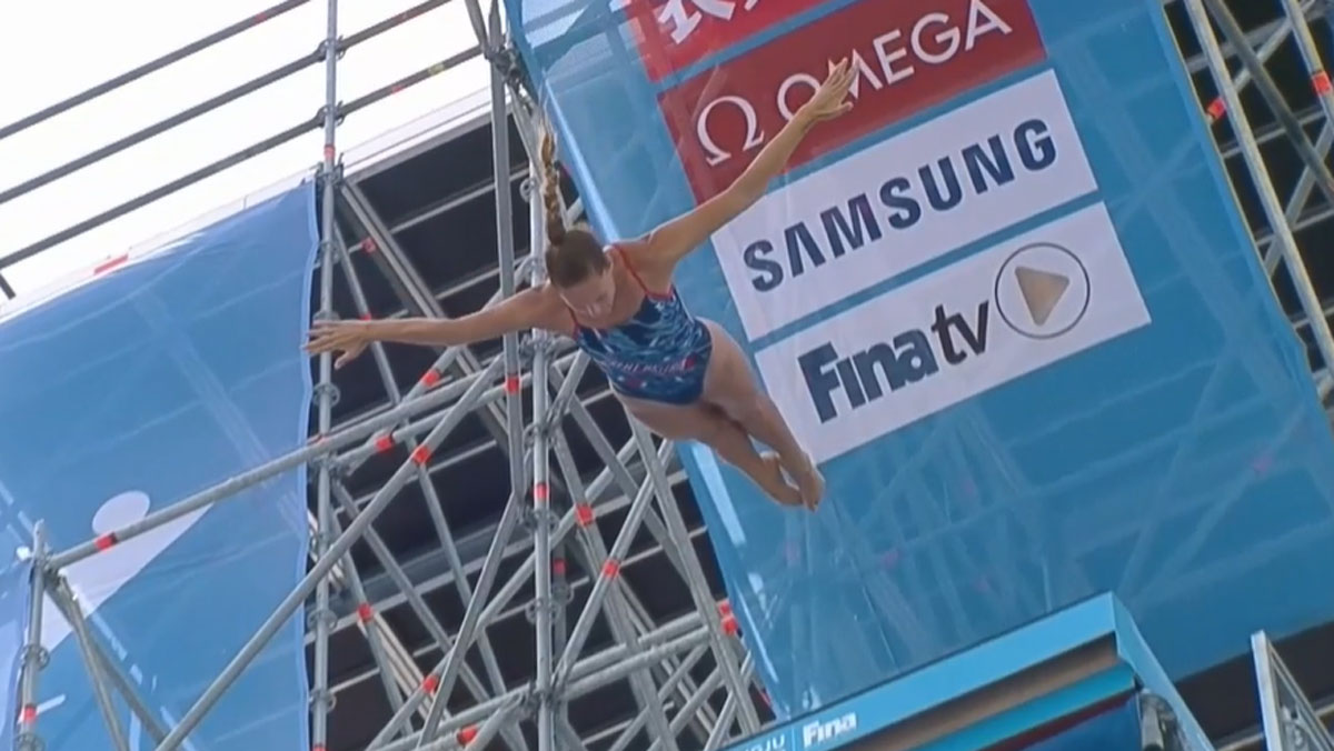 Jess Macaulay high diving