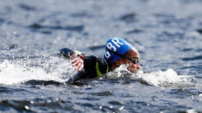 Marathon swimmers Alice Dearing and Danielle Huskisson finish in world's top 25