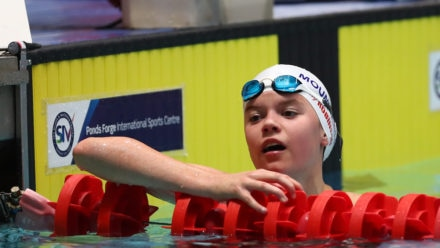Holly Robinson storms home to snatch 200m Breaststroke national title