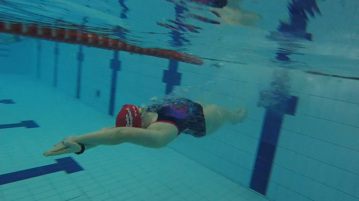 How to complete a backstroke turn