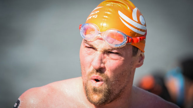 Molyneaux and Bennett win national titles in thrilling open water race