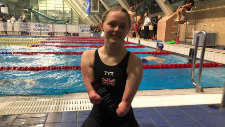 Ellie Challis celebrates award win in style at National Para-swimming Championships