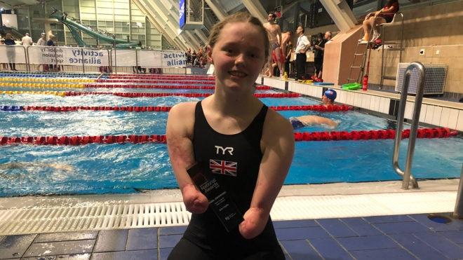 Ellie Challis celebrates award win in style at National Para-swimming Championships